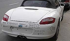 Andrew Blair rabiscou a oferta em seu Porsche de R$ 130 mil