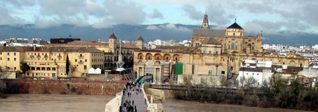 Ponte romana do seculo II a.C em Cordoba Andaluzia, Espanha