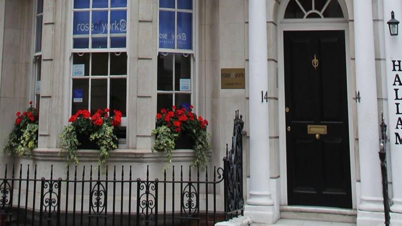 fachada da escola de inglês Training 4 TEFL em Londres