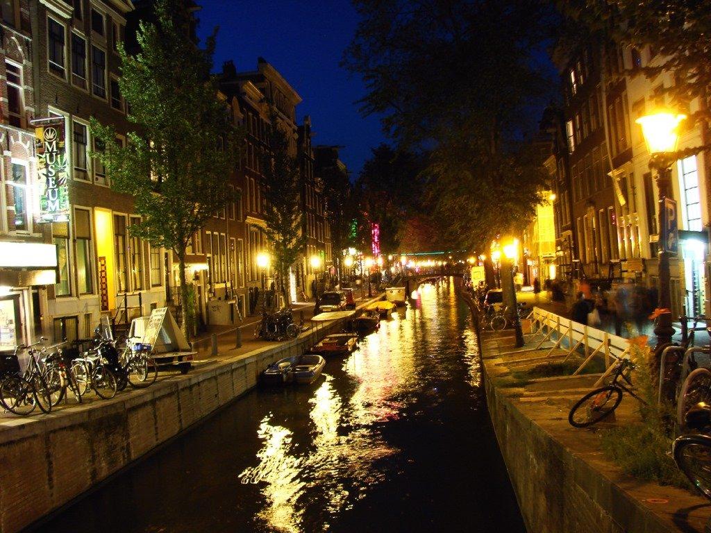 O famoso De Wallen, ou distrito da luz vermelha 2. Amsterdam. Foto: Flavio Pimentel