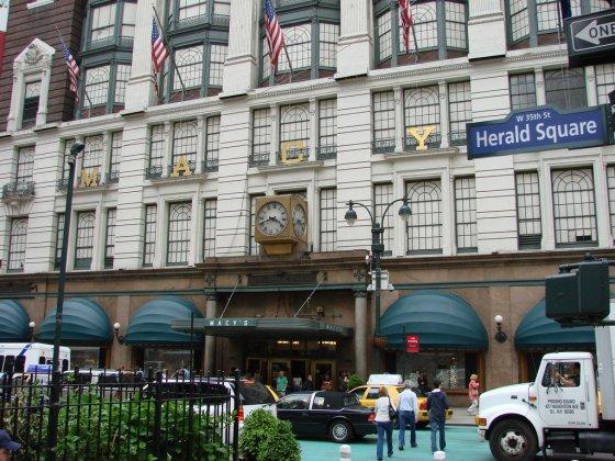 New York Herald Square, Macy's