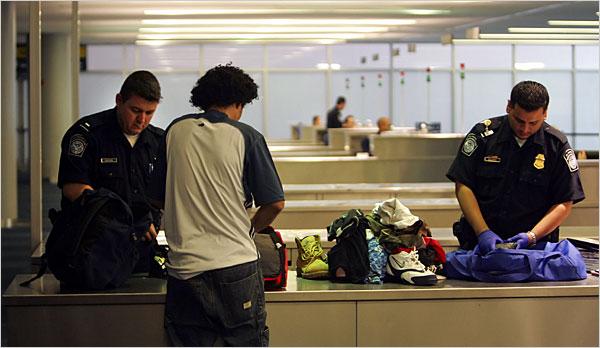 Imigração em Aeroportos - Brasileiros estão sendo barrados no exterior