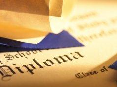 Como validar diploma brasileiro no Canadá